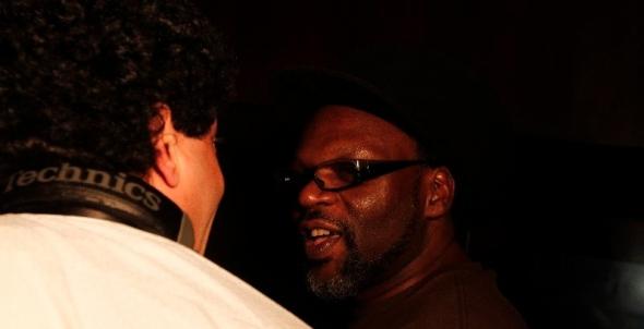 The Beirut Groove Collective's Ernesto Chahoud (left) talks shope with Jazzie B at Beirut's infamous club BO18 (Lens: Hani)